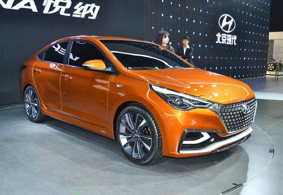 Hyundai-Verna-Solaris1